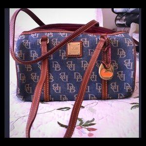 🎉Dooney & Bourke denim handbag
